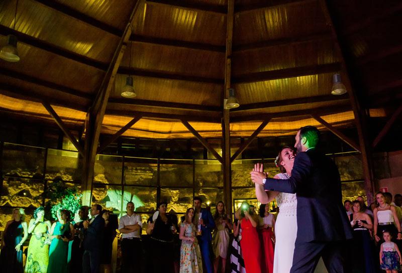 bodas_medina-del-campo_baile-en-el-palomar_luzmontero_09